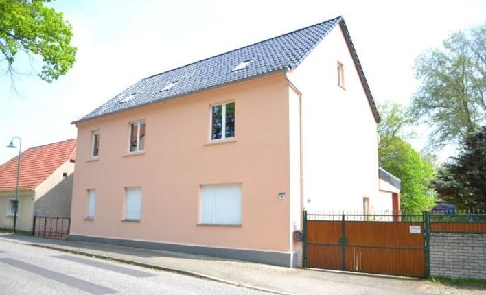 Großes Wohnhaus mit Ausbaureserve im Dachgeschoss